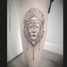 Leão que tive a honra de fazer para Camila,gratidão! Por Rodrigo Sá #ofilhodatuta #tattoo #saopaulo #electricink #tatuagem #tatuagens #tattoos #ink #inked #instatattoo #instatattoos #tattooinspiration #tattooinkspiration #tattoo2me #tatuagemfeminina #tatuagensfemininas #leao #lion #liontattoo #tattooleão