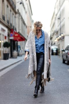Like an Argentinian amazone in the streets of Paris - Anouk Yve | Creators of Desire - Fashion trends and style inspiration by leading fashion bloggers Winter Style, Autumn Winter Fashion, Fashion Beauty, Autumn Fashion, Women's Fashion, Fashion Trends, Minimalist Style, Minimalist Fashion, Mode Inspiration