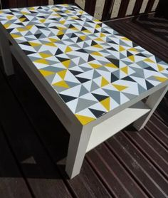 how to make your own tile table tile tables interiors and architecture. Black Bedroom Furniture Sets. Home Design Ideas