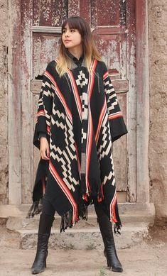 "PONCHOS DE GUARDA ATADA ""FAMILIA AVAR SARACHO"" En Stock, Me Too Shoes, Kimono Top, Women, Fashion, Cape Clothing, Tied Up, Loom, Ponchos"