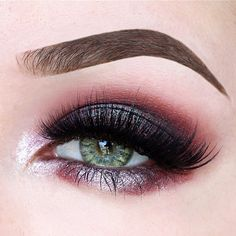 Smokey metallic Eyeshadow look