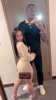 You can access more content by visiting the site. Have fun. Freaky Relationship Goals Videos, Couple Goals Relationships, Relationship Goals Pictures, Couple Relationship, Dope Couples, Black Love Couples, Cute Couples Goals, Maluma Pretty Boy, Cute Couple Outfits