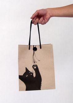Who doesn't like a cute kitty cat bag packaging : ) Bag Packaging, Packaging Design, Shopping Bag Design, Shopping Bags, Sewing Crafts, Sewing Projects, Paper Bag Design, Sacs Design, Diy Sac