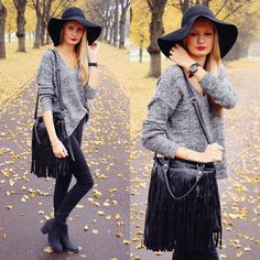 fashion blogger, call me maddie, floppy hat from H&M, Ebay geneva watch dark blue nail polish, fringe tassel bag from Ebay, skinny jeggings from H&M, chelsea boots from H&M, red lips and blonde girl, heart pendant necklace, anchor ring