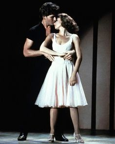 Jennifer Grey Patrick Swayze in Dirty Dancing 1987 Patrick Swayze, Jennifer Grey, Love Movie, I Movie, Movie Songs, Movie Quotes, Movie Kisses, Bon Film, Hugh Grant