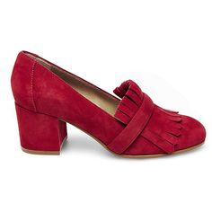 Steve Madden Women's Kate Pumps Loafers ($100) ❤ liked on Polyvore featuring shoes, loafers, red suede, red mid heel shoes, steve madden loafers, fringe shoes, fringe loafers and fleece-lined shoes