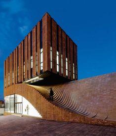De las estructuras más brillantes construidas en el siglo XXI con ladrillo visto.