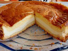 Zutaten 50 g Margarine 50 g Zucker 2 Ei(er) 100 g Mehl 1 TL, gehäuft Backpulver 500 g Quark (20% Fett) 2 Ei(er) ...