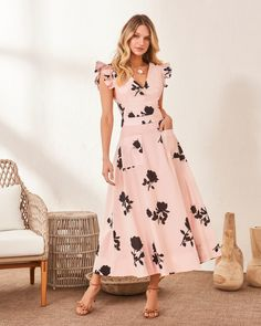 casual outfits date Modest Dresses, Simple Dresses, Beautiful Dresses, Casual Dresses, Fashion Dresses, Dresses For Work, Frock Patterns, Frock For Women, Fancy Blouse Designs