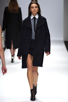 Vanessa Bruno Fall 2013 Ready-to-Wear Collection Photos - Vogue