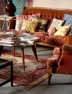 how lovely. I'd like to plop myself right down on those velvet cushions and hang out and knit.