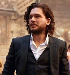 I updated this fic and I added some gifs from my bff :) *Gifs by KitsnOw* Jon Snow, Hair And Beard Styles, Curly Hair Styles, Jon Schnee, Kit And Emilia, Curly Hair Men, Beard Care, Long Hair Cuts, Medium Hair Styles