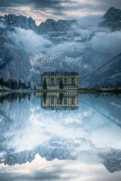 Grand Hotel, Lake Misurina. This hotel in northern Italy has officially made my bucket list. What a breathtaking shot!!