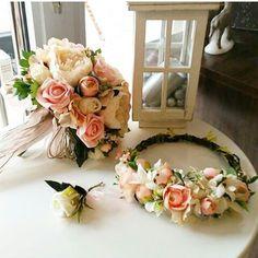 Konsept ürünler gelin buketimiz Gelin taci Ve yaka çiçeği İletişim için 05446866145 Veya www.gelinbuketleri.com