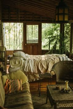 Cottage In The Woods, Cabins In The Woods, Sleeping Porch, Deco Boheme, Cabins And Cottages, Screened In Porch, Porch Swing, House Goals, My New Room