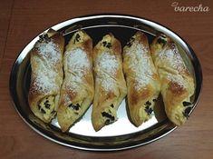 Šatôčky plnené vanilkovým krémom (fotorecept) - recept | Varecha.sk Bread, Sweet, Food, Hampers, Candy, Breads, Baking, Meals, Yemek