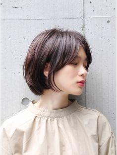 Cool a little mature feminine Short Bob ♪: . Cool a little mature woman sho. Asian Short Hair, Short Grey Hair, Medium Hair Cuts, Medium Hair Styles, Long Hair Styles, Cute Simple Hairstyles, Short Hairstyles For Women, Hair Inspo, Hair Inspiration