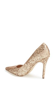 These rose gold glitter pumps are simply beautiful.