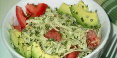 Weißkohlsalat mit Avocado und Tomaten, vegane Diät rezept