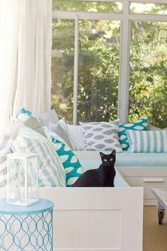 House of Turquoise: Jenna Sue (Would love, love to have large window like this in den with couch in front.