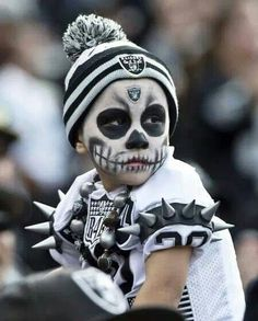 Jack Del Rio is passionate about football. His Oakland Raiders should be a decent NFL pick this Friday against Bruce Arians and the Arizona Cardinals – but it won't be easy. Raider Nation, Football Memes, Football Season, Football Team, Oakland Raiders Logo, Oakland Athletics, Raiders Stuff, Raiders Girl, Raiders Players