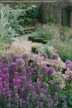 Purple and silver planting at Chelsea