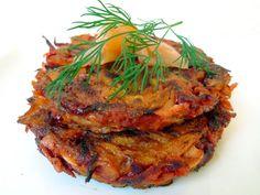 Van groenten zoals pastinaak, wortel en biet kun je lekkere rösti bakken. Gezond, vegetarisch en koolhydraatarm. | http://degezondekok.nl