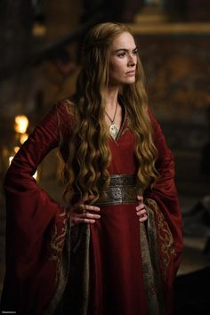 Cersei Lannister (Lena Headey), Ive noticed that Cersei's clothing are in strong colors, rich and deep like what she is wearing in this scene.