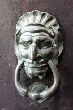 Face with Ring in Mouth door knocker - Callers / latch / Aldabas / Knockers: AIX-EN-PROVENCE - FRANCE