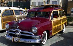 1950 Ford Woodie - maroon
