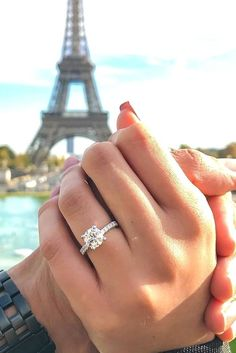 Engagement Rings »    Top 21 Simple Engagement Rings for Classic Brides