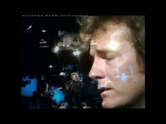 Lightfoot sings the haunting melody of Affair On 8th Avenue in 1972 in concert on the BBC. So well written.