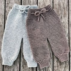 Crochet Como Fazer Roupas de Bebê de Crochê: Passo a Passos 46 Fotos Baby Knitting Patterns, Baby Patterns, Crochet Patterns, Crochet Baby Pants, Crochet Clothes, Knitted Baby Clothes, Free Crochet, Knit Crochet, Baby Kicking