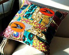 Africa Rich Patchwork pillow cover OOAK wax print par SISTERBATIK, $80.00