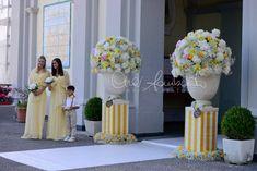 Matrimoni estivi. Addobbi floreali in chiesa luminosi come il sole | Cira…