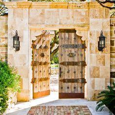 Tuscan Wood Gate Design Ideas, Pictures, Remodel and Decor Tor Design, Gate Design, House Design, Entrance Design, Landscaping Austin, Hacienda Style, Entry Gates, Mediterranean Decor, Garden Gates