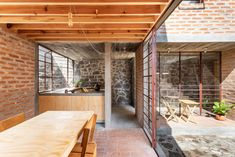 A house of light, for the retirement of a teacher. Nakasone house by Pavel Escobedo and Andrés Soliz White Cabin, L Shaped House, Local Builders, Timber Beams, Interior Windows, Earth Homes, House Built, House Extensions, Brickwork
