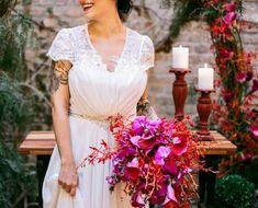 Capim dos pampas: 91 formas de usar na decoração do casamento Plus Wedding Dresses, Wedding Bouquets, Just Married, Marry Me, Rustic Wedding, Boho Chic, One Shoulder Wedding Dress, Destination Wedding, Dream Wedding
