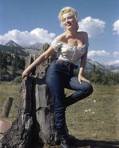 "225 Likes, 1 Comments - Marilyn Remembered (@marilynremembered) on Instagram: ""In Canada to film The River of No Return, 1953 (released 1954). #marilynmonroe #canada…"""