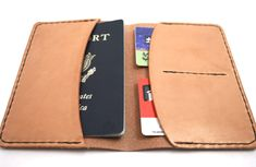 Leather DIY passport holder by Jespen Leather Goods Diy Leather Passport Holder, Diy Passport Holder, Leather Passport Wallet, Leather Wallet, Diy Leather Folio, Diy Father's Day Gifts, Father's Day Diy, Pochette Diy, Crea Cuir