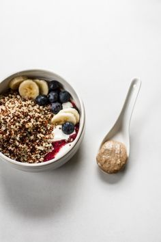 Quinoa Berry Breakfast Bowl | edibleperspective.com