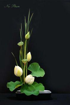 Ikebana, Japanese Flower Arrangements By Nụ Phạm Ikebana Flower Arrangement, Church Flower Arrangements, Ikebana Arrangements, Church Flowers, Beautiful Flower Arrangements, Beautiful Flowers, Exotic Flowers, Purple Flowers, Arte Floral