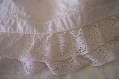 pictures & prices of lace bed skirts   ... . perfect condition! Lots of lace. Sure to make a bed look wonderful