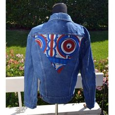 Vintage Wrangler jean jacket with native design Purchased on urban outfitters Never worn Awesome oversized wrangler jean jacket perfect for any occasion. Made in Malta Wrangler Jackets & Coats Jean Jackets