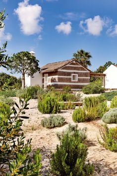 Home in Portugal Sands Resort, Retreat House, Turbulence Deco, Farmhouse Renovation, Mediterranean Garden, Old Farm Houses, Beach House Decor, Renting A House, Outdoor Gardens