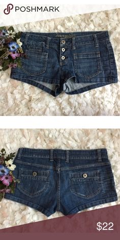 """American Eagle Button Fly Denim Booty Shorts Sz 6! Excellent used condition, the leg holes are a tiny bit stretched out. Smoke and pet free home. No trades. 😍 Waist measures 15.5"""" flat and inseam measures 2 inches. American Eagle Outfitters Shorts Jean Shorts"""