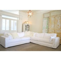Charming I Love White Sectionals, They Brighten Up A Room Instantly And I Also Love  Dogs · Shabby Chic SofaShabby ...