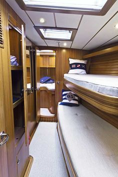 Pullman Bed, Pullman Train, Small Space Living, Living Spaces, Yacht Interior, Interior Design, Sixteen Tons, Van Living, Boathouse