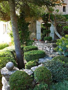 Nicole de Vésian's Garden in Provence : LA DOLCE VITA: Living the Good Life in California's Mediterranean Climate