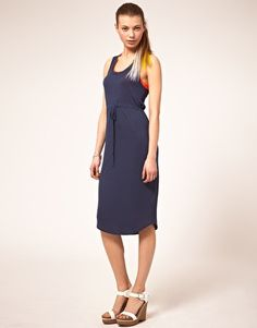 really like this dress - so simple...